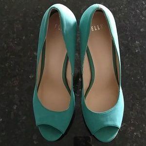 ELLE heels 9.5 Agua Blue